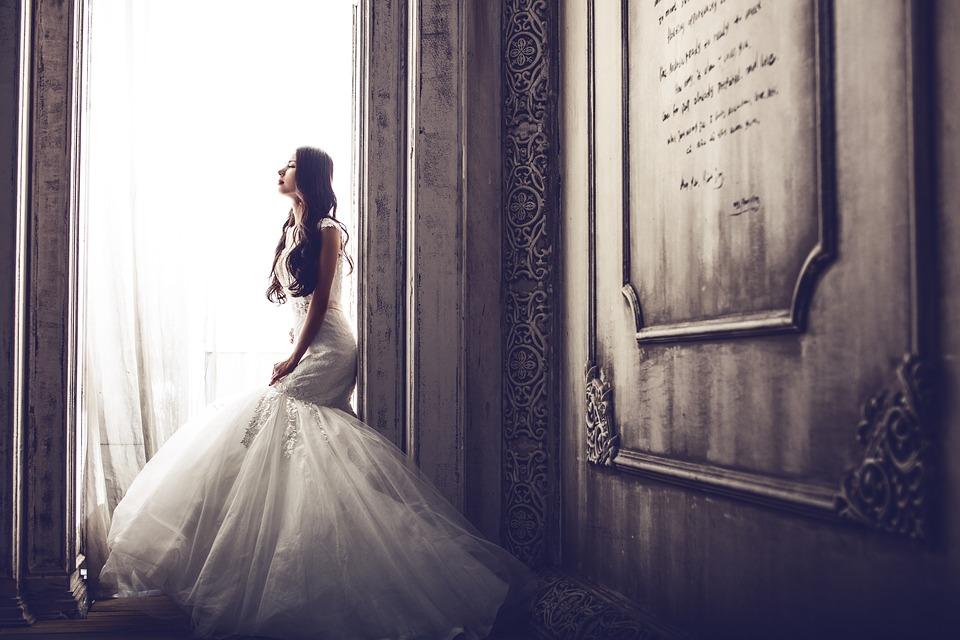Müssen Hochzeitsstrümpfe weiß sein?